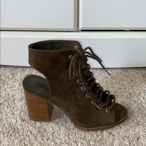 FOREVER 21   Army Green Lace up Shoes